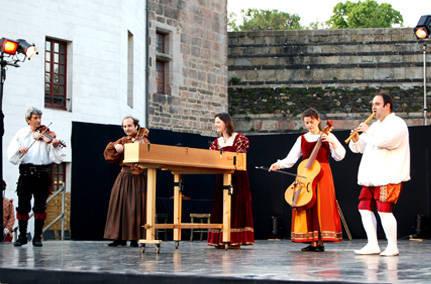 Spectacle Renaissance Bal à la cour des Valois A