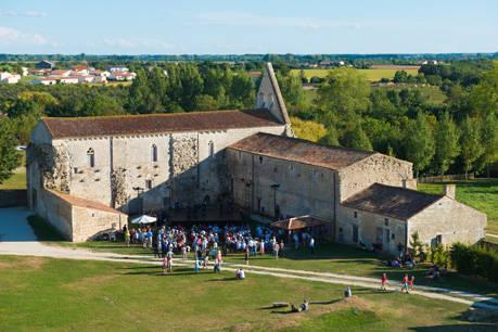 Bal Renaissance Abbaye de Maillezais