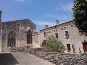 mairie_eglise_foussais-payre
